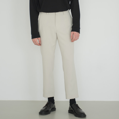 9th year CROP STANDARD LINE SLACKS L.BEIGE