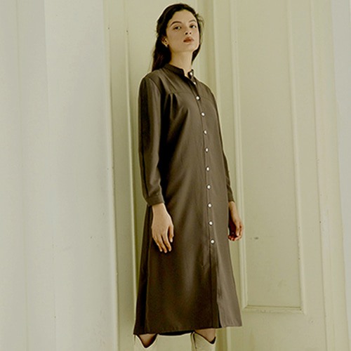 [몽돌] HENLEY NECK SHIRTS DRESS BROWN